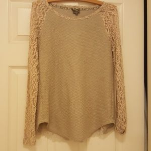 Long sleeved laced top by One September